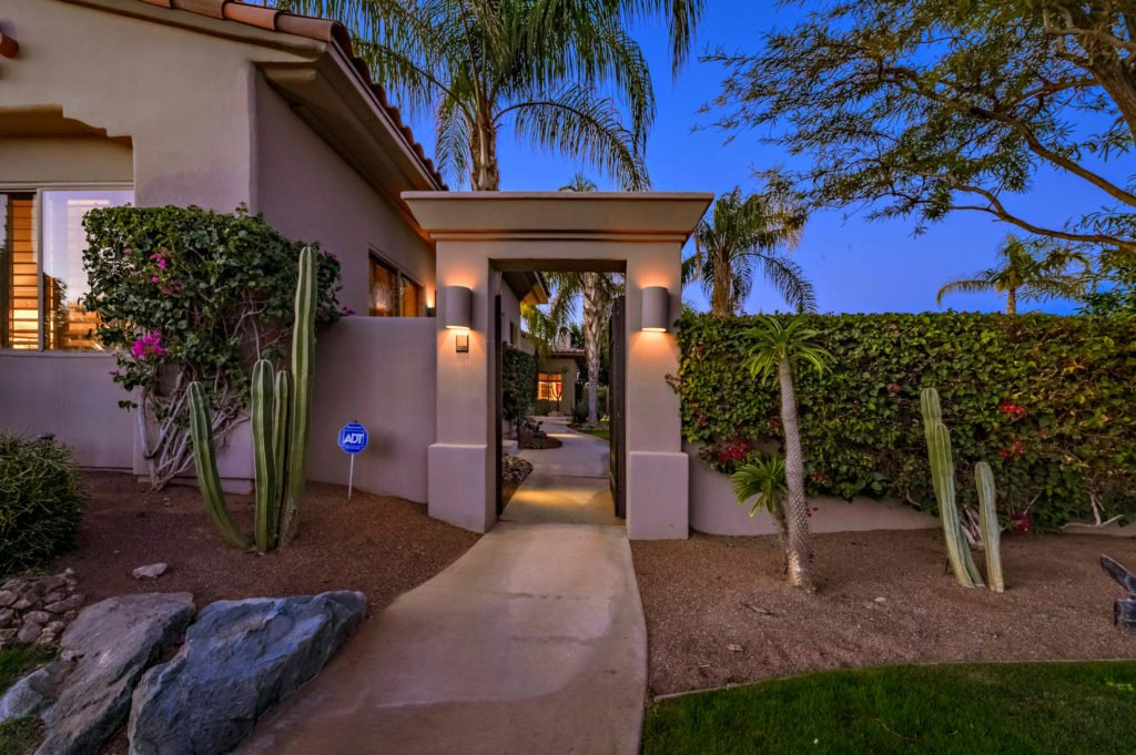 610 Gold Canyon Drive-large-003-40-103-1500x999-72dpi