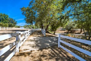 4235 Cornell Rd Agoura Hills-large-032-41-0132-1500x999-72dpi