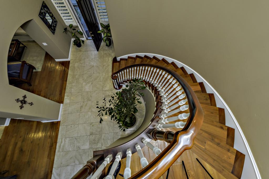 3816 Calle Tiburon San-print-072-Staircase-2800x1864-300dpi