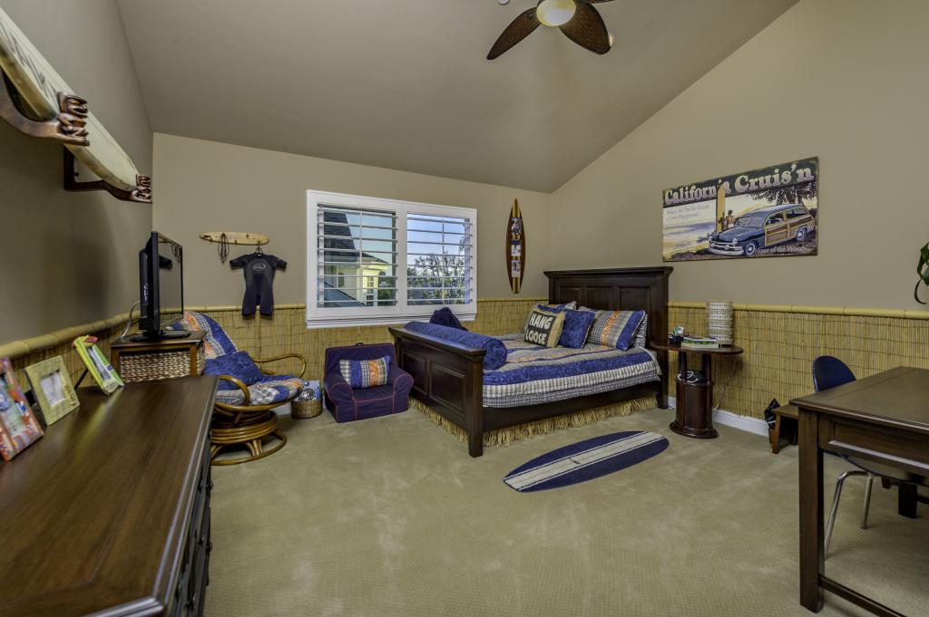 3816 Calle Tiburon San-print-096-Second Floor Bedroom 4-2800x1864-300dpi