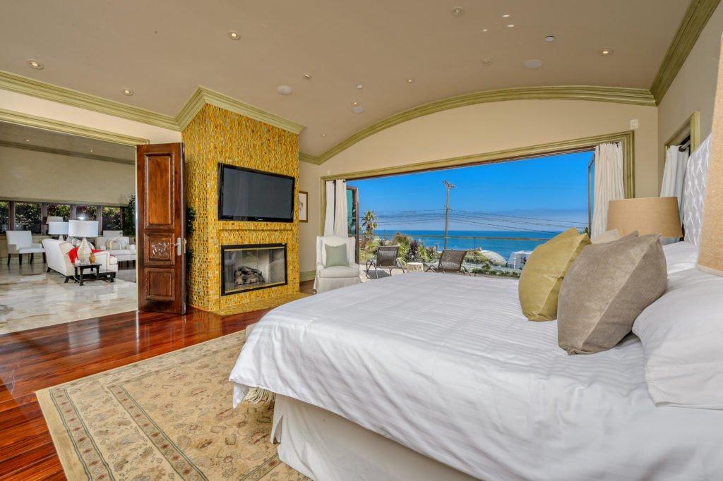 27154 Sea Vista Drive Malibu Master bedroom