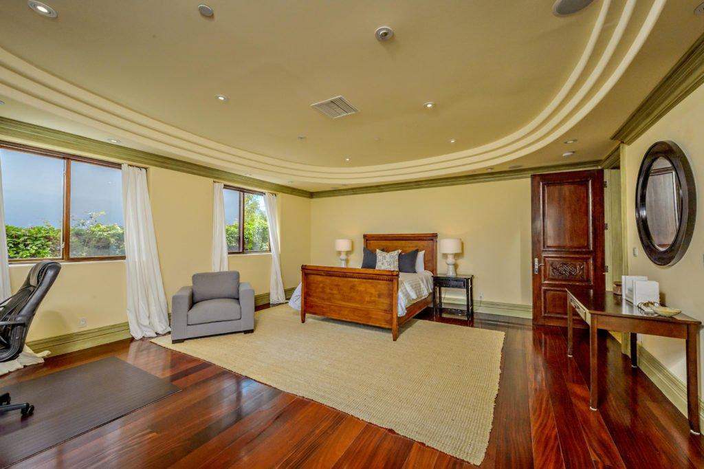 27154 Sea Vista Drive Malibu downstairs bedroom