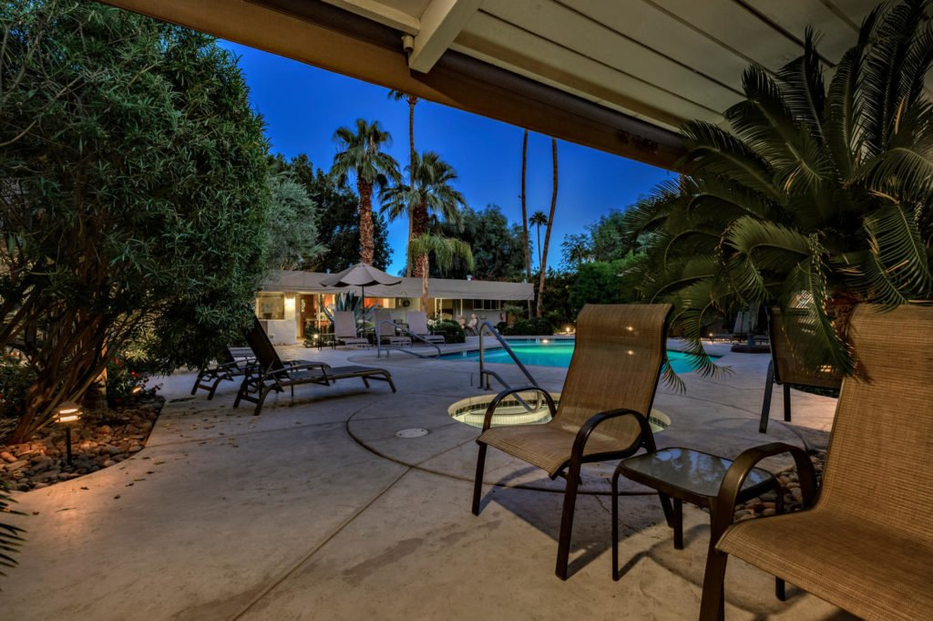 537-s-grenfall-rd-palm-springs-large-005-7-0105-1500x999-72dpi