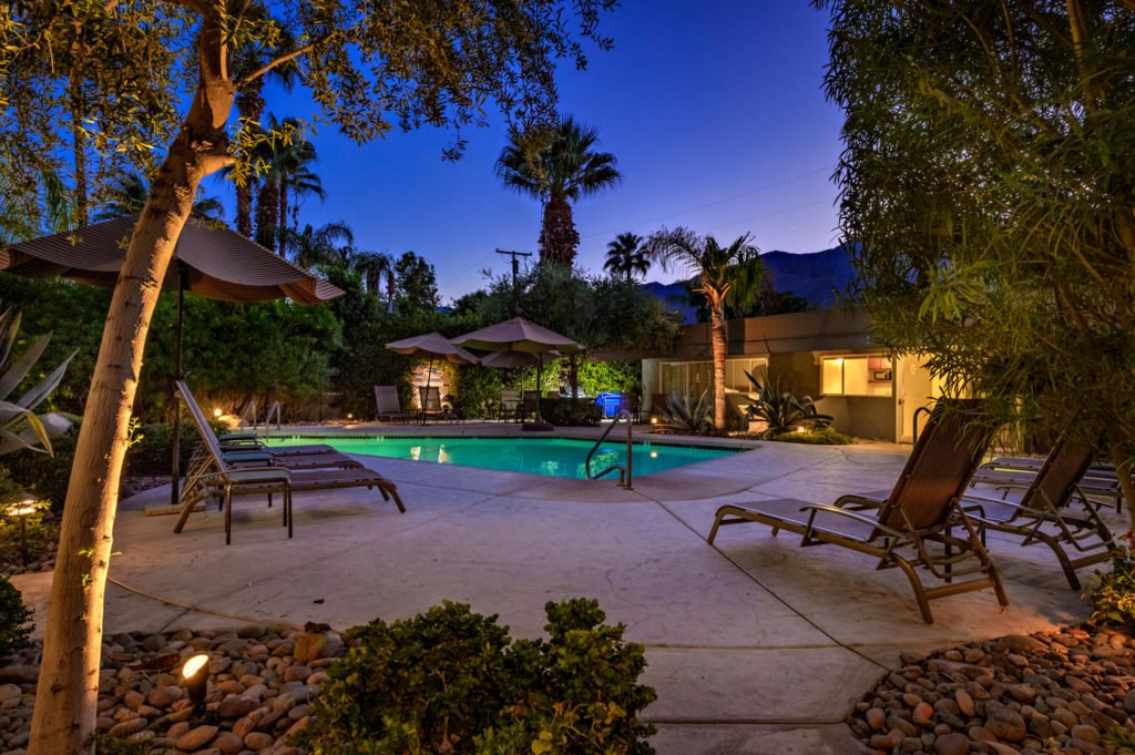 537-s-grenfall-rd-palm-springs-large-007-16-0107-1500x999-72dpi