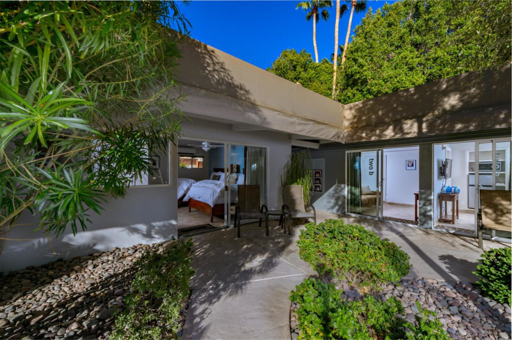 537-s-grenfall-rd-palm-springs-large-010-15-0110-1500x999-72dpi
