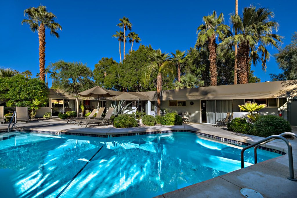 537-s-grenfall-rd-palm-springs-large-014-57-0114-1500x999-72dpi