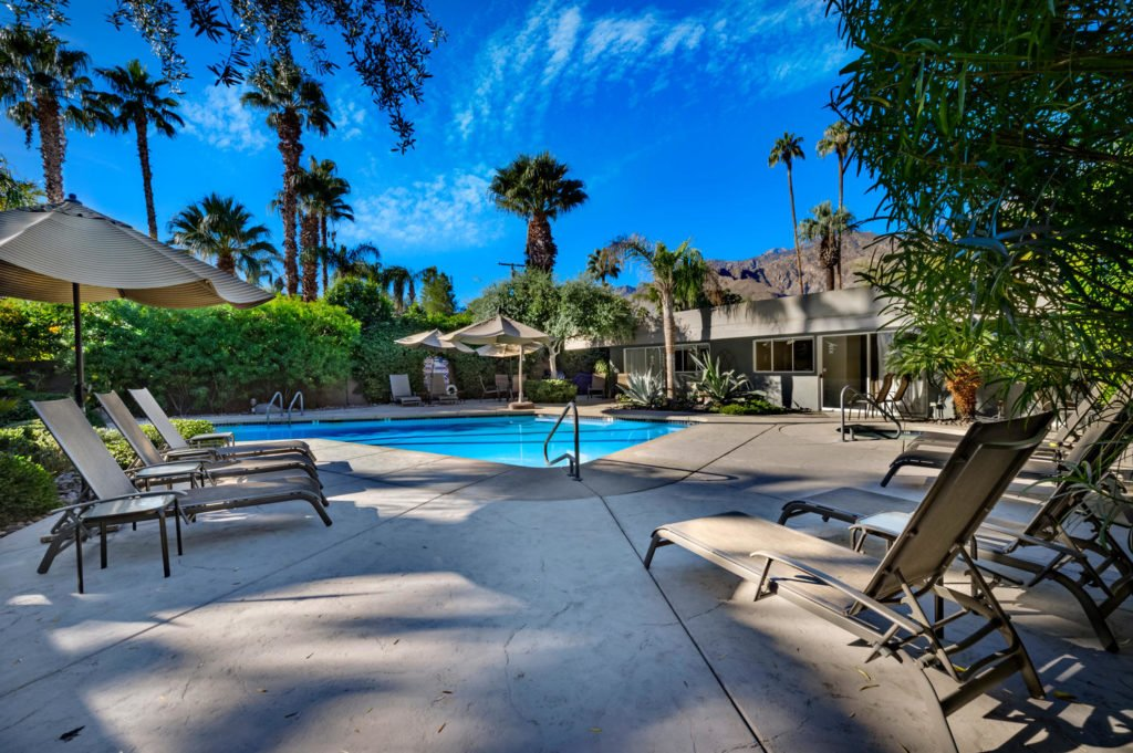 537-s-grenfall-rd-palm-springs-large-022-33-0123-1500x999-72dpi