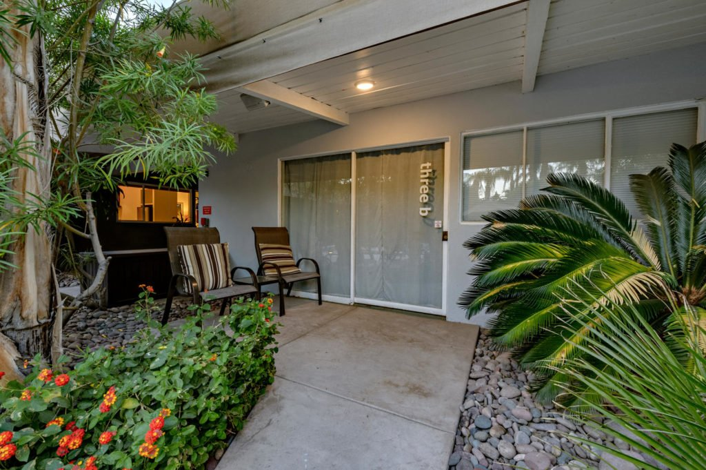 537-s-grenfall-rd-palm-springs-large-081-85-0183-1500x999-72dpi