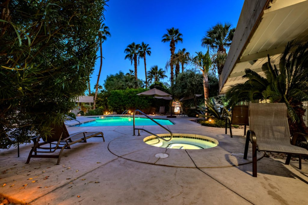 537-s-grenfall-rd-palm-springs-large-083-92-0185-1500x999-72dpi