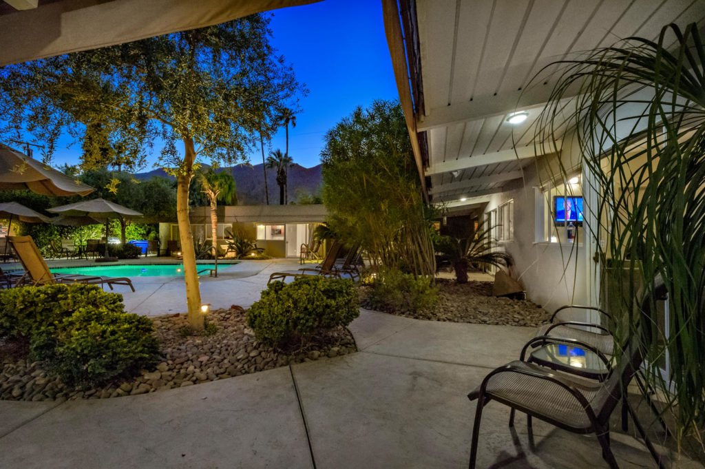 537-s-grenfall-rd-palm-springs-large-084-91-0186-1500x999-72dpi