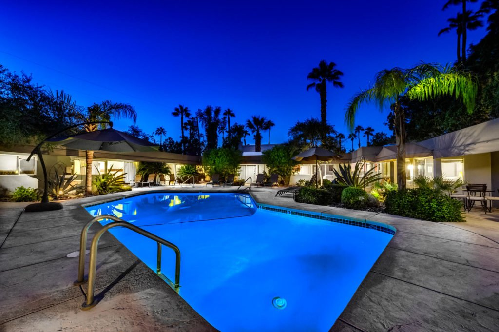 537-s-grenfall-rd-palm-springs-large-085-79-0187-1500x999-72dpi