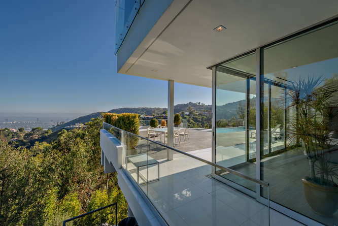 7080 Mulholland  Los Angeles-small-141-240-666x445-72dpi