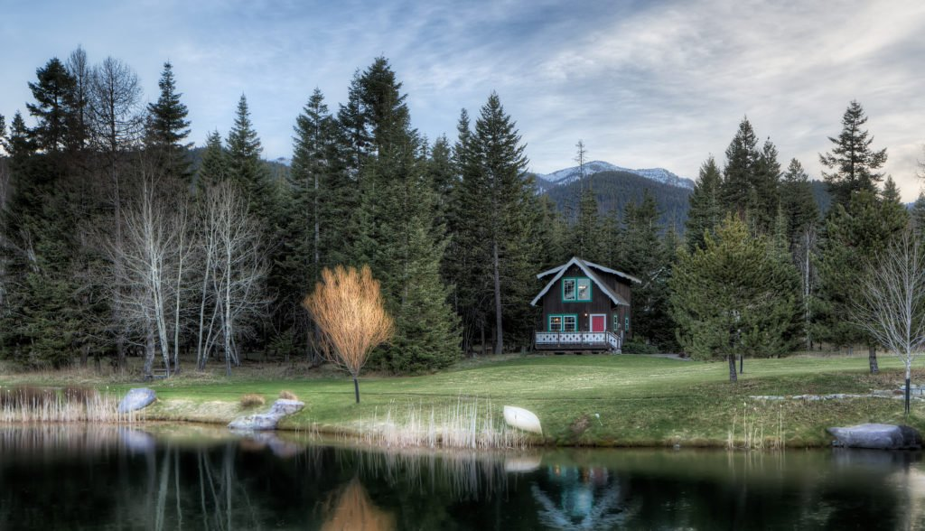 Alpinglow Cabin Across the Pond