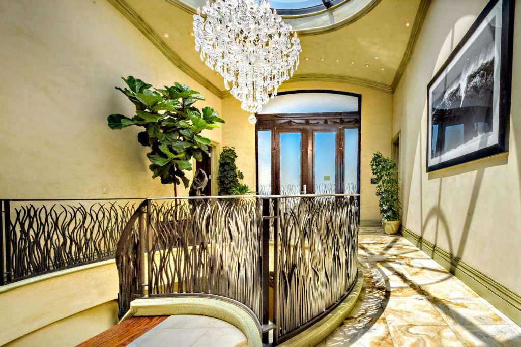 27154 Sea Vista Drive Malibu foyer