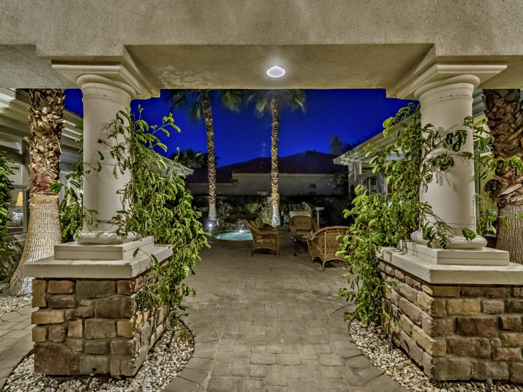 56465-legends-way-la-quinta-ca-mls_size-018-60-0118-1280x960-72dpi