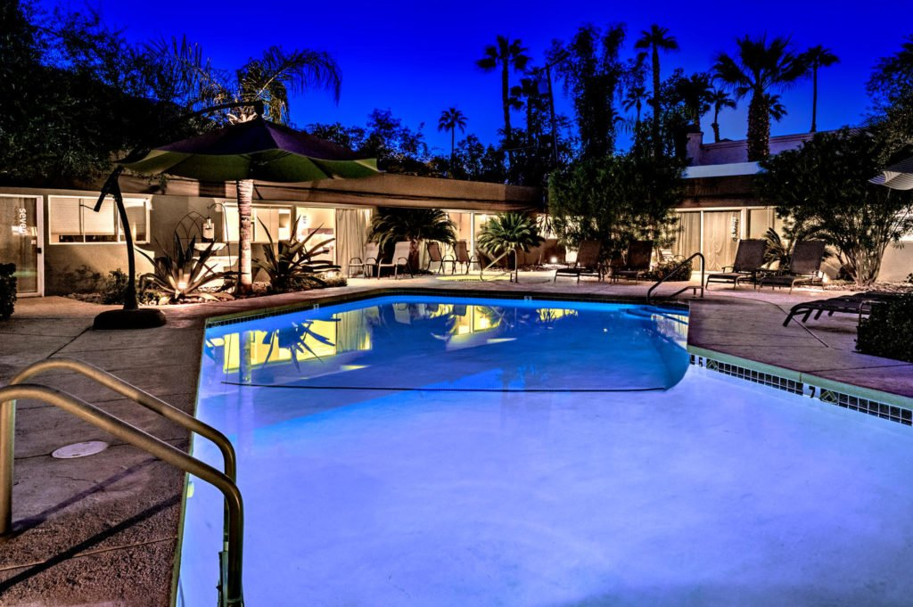 537-s-grenfall-rd-palm-springs-large-009-27-0109-1500x999-72dpi