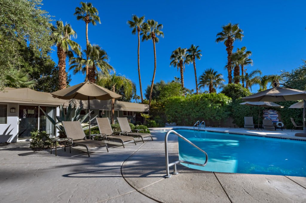 537-s-grenfall-rd-palm-springs-large-011-18-0111-1500x999-72dpi