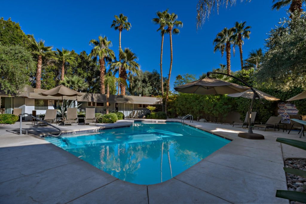 537-s-grenfall-rd-palm-springs-large-012-14-0112-1500x999-72dpi