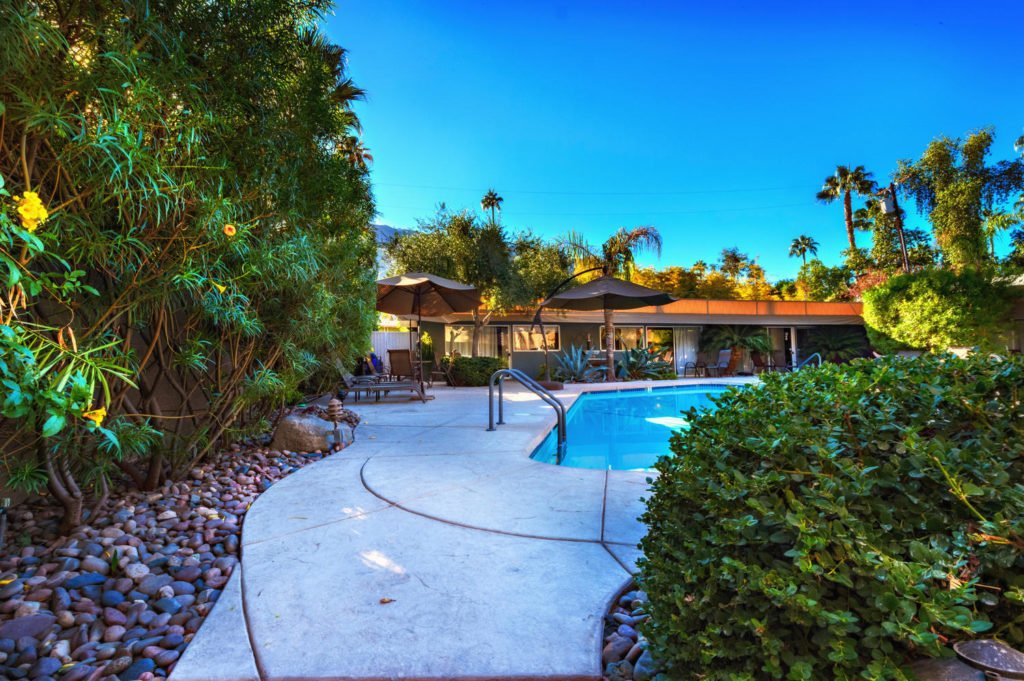 537-s-grenfall-rd-palm-springs-large-016-23-0117-1500x999-72dpi