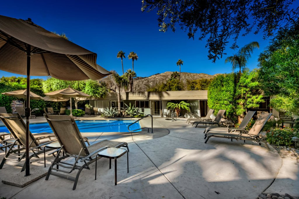 537-s-grenfall-rd-palm-springs-large-021-21-0122-1500x999-72dpi