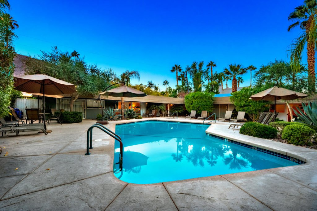 537-s-grenfall-rd-palm-springs-large-074-73-0176-1500x999-72dpi