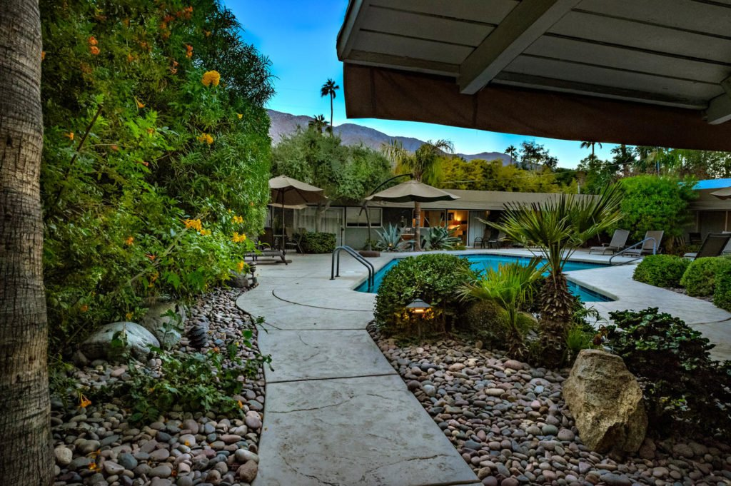 537-s-grenfall-rd-palm-springs-large-075-70-0177-1500x999-72dpi