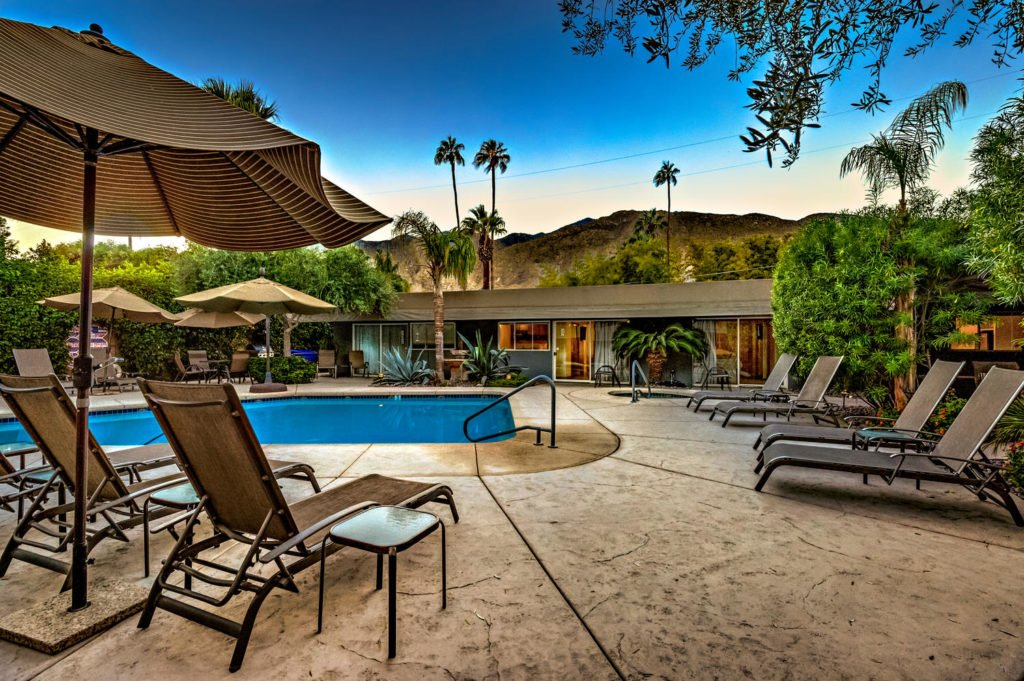 537-s-grenfall-rd-palm-springs-large-078-88-0180-1500x999-72dpi