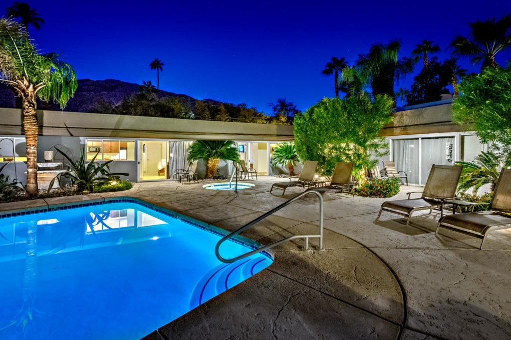 537-s-grenfall-rd-palm-springs-large-091-58-0193-1500x999-72dpi
